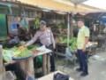 Polsek Pantai Cermin Cek Sembako di Pasar Tradisional